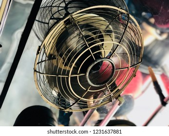 Value of old electric fans, there is on top in the bis.