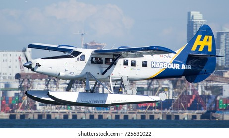 Vancouver, BC Aug 20, 2017 - A Harbour Air Single Otter takes off from Vancouver Harbour