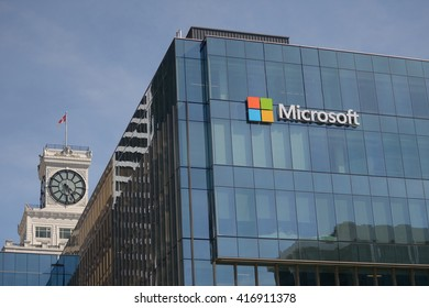 Microsoft Office Building Inside Vancouver Canada May 7 2016 Microsoft Sign Adorns New Office Building Housing Office Building At Vancouver Images Stock Photos
