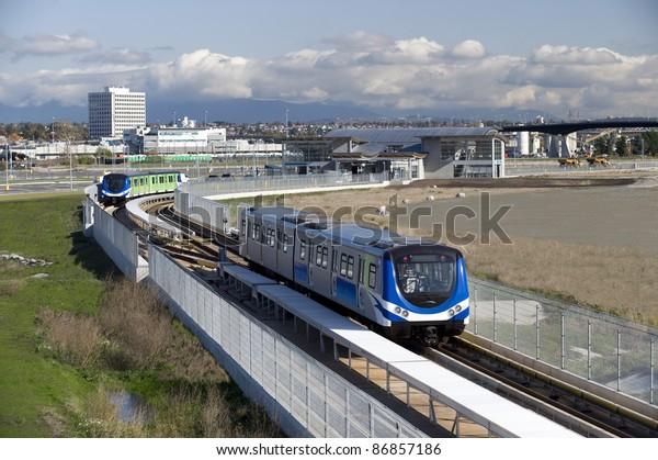 Vancouver SkyTrain - new Canada Line to Richmond