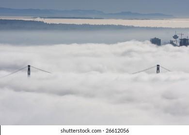 Vancouver under blankiet of heavy fog