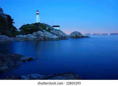 vancouver's atkinson point lighthouse at night