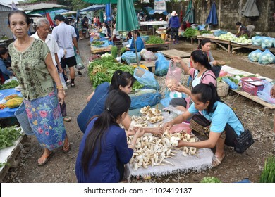Vang Vieng, Laos market  Local food in Village : 30 MAY 2018