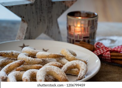 vanilla crescents at the time of advent