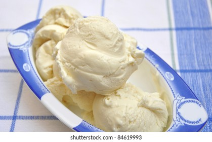 Vanilla Ice Cream Scoops