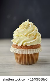 Vanilla muffin with frosting