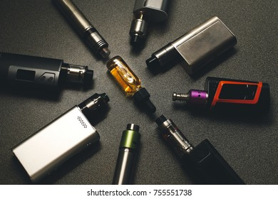 vaping device with accessories