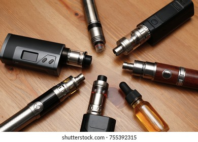 Vaping device and accessory