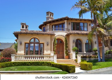 A variety of architectural styles of homes and estates in the Manhattan Beach City, CA.