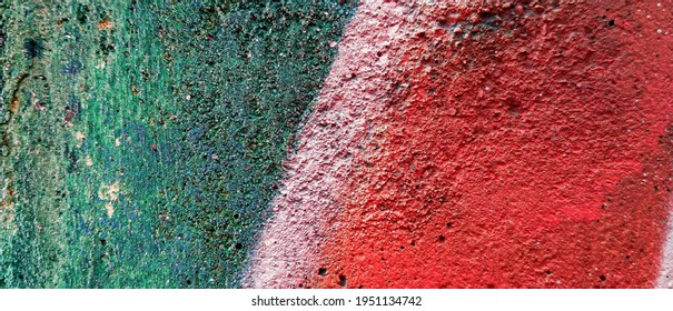 A variety of colors on the plasterboard