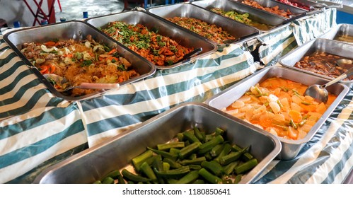 Various of curry in the trays