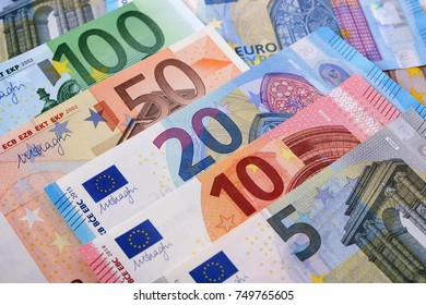 Various Euro currency notes