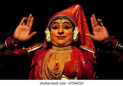 VARKALA - FEBRUARY 04: Kathakali performer in the virtuous Lalitha role on February 04, 2010 in Varkala Kathakali Center, South India. Kathakali is the ancient classical dance form of Kerala.