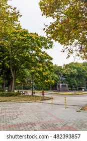 VARNA, BULGARIA - AUG 06, 2016: Square and the monument to emperor (tsar) of Bulgaria between 1197 and 1207.  Picture taken during a trip to Bulgaria in the morning.