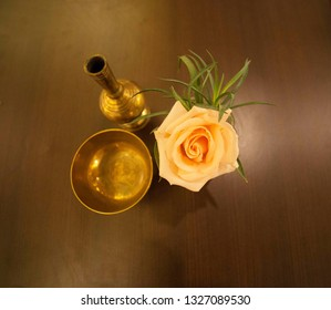 Vases and flowers are placed on the table