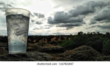 Vaso con agua fesca