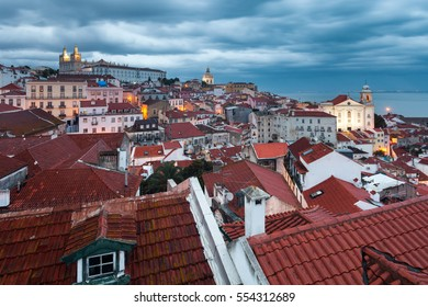 A vast view to Lisbon at dusk