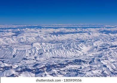 vast view of snow covered Himalaya