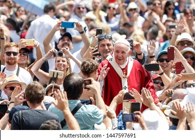 Vatican City, June 9, 2019. Pope Francis waves to faithful at the end of the Pentecost mass in St. Peter's Square.