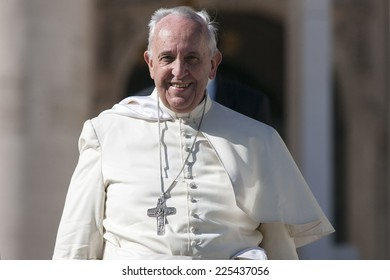 VATICAN CITY, VATICAN - OCTOBER 22 :  Pope Francis greets the pilgrims during his weekly general audience in St Peter's square at the Vatican on October 22, 2014.