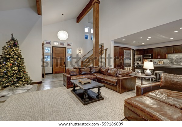 Vaulted Ceiling Living Room Accented Wood | Royalty-Free ...
