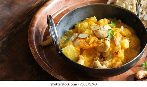 Veg Kolhapuri - Mixed vegetables in thick spiced gravy from Kolhapur, Maharashtra,India