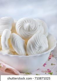 Vegan aquafaba meringue cookies