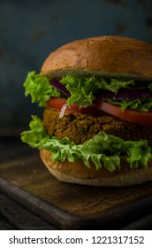 Vegan burger with vegetables