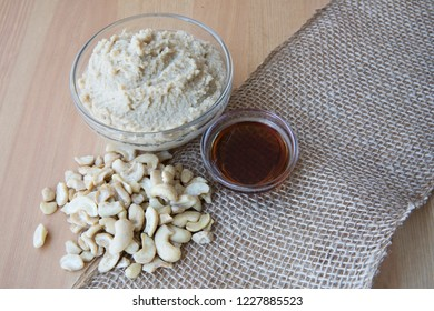 Vegan sweet cashew cream dessert topping with Ingredients.