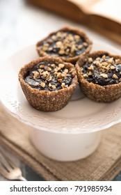 Vegan tarts with nuts