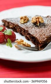 vegan walnut chocolate cake
