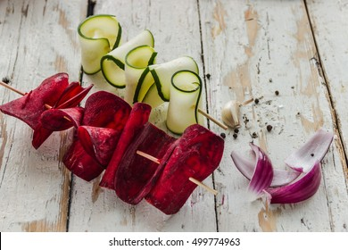 Vegetable chips from beetroot and zucchini