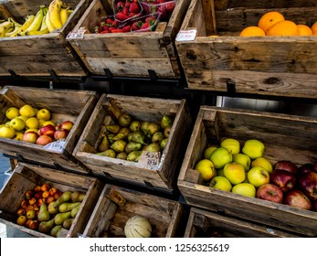 Vegetable and fruit boxes in Tuscany