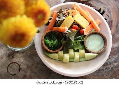 vegetable fruit and crab salad