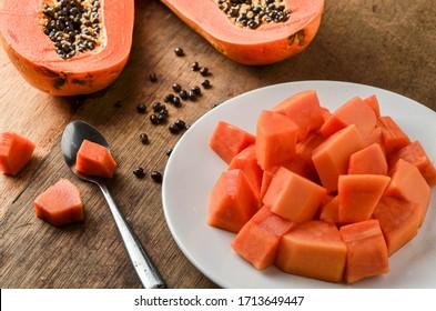 vegetable, garden, plant, pulp, leaf, shadow, whole, vitamin, pawpaw, cutout, papayas, farm, thailand, eating, tree, papaya slice, papaya isolated, market, color, smoothie, texture, eat, nutrition, ap
