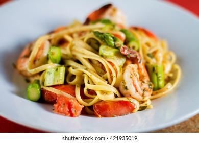 Vegetable shrimp spaghetti