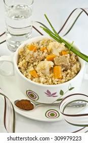 vegetables and cereals, cooked bulgur, seitan, carrot, cabbage, cauliflower, wheat, cereal, cous cous, semolina, boiled, stew, grain, vegetarian food, vegan, veggie