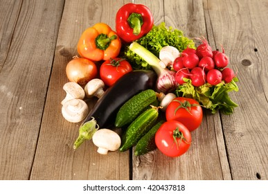 Vegetables . Fresh Bio Vegetable in a Basket. Over Nature Background