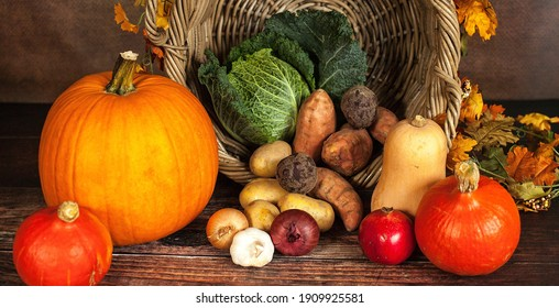 Vegetables and fruits that are placed on the table
