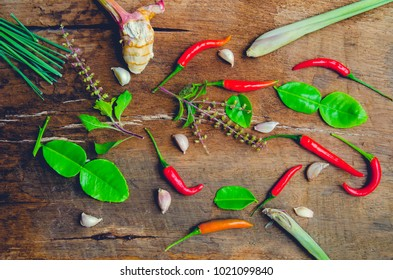 Vegetables that make up the Thai Tom Yum And ancient herbs.