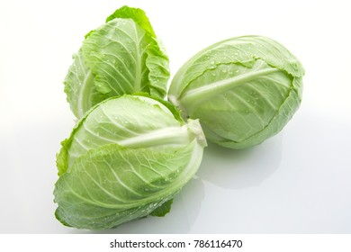 Vegetarian Important vegetables, cabbage heart, is a kind of cabbage, on a white background,