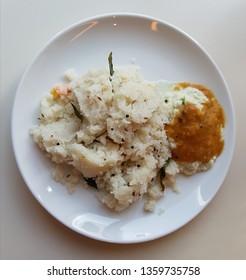 Vegetarian Upma with Dhal Cocunut Chutney