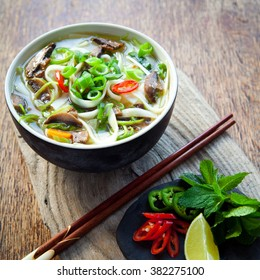 vegetarian vietnamese pho soup