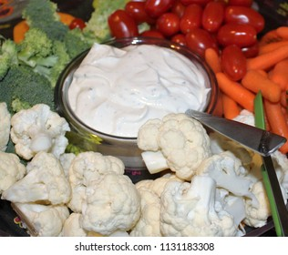 Veggie tray with dip