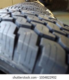 vehicle heavy duty tires treads with selective focus