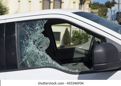 Vehicle window smashed, car theft in San Francisco