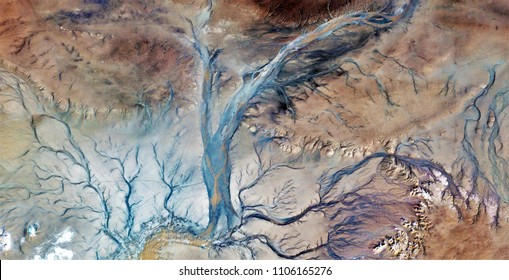 the veins of the earth, tribute to Pollock, abstract photography of the deserts of Africa from the air, aerial view, abstract expressionism, contemporary photographic art,