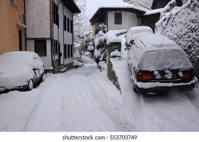 VELIKO TARNOVO, BULGARIA - JANUARY 6, 2017: General Gurko street on the winter day