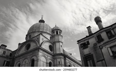 Venetian architecture - Black and white