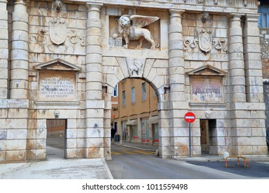 Venetian lion with wings above the gate to the old town of Zadar, Croatia